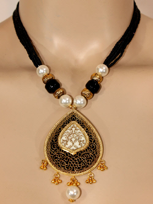 Traditional Thewa Pendant Set 11200
