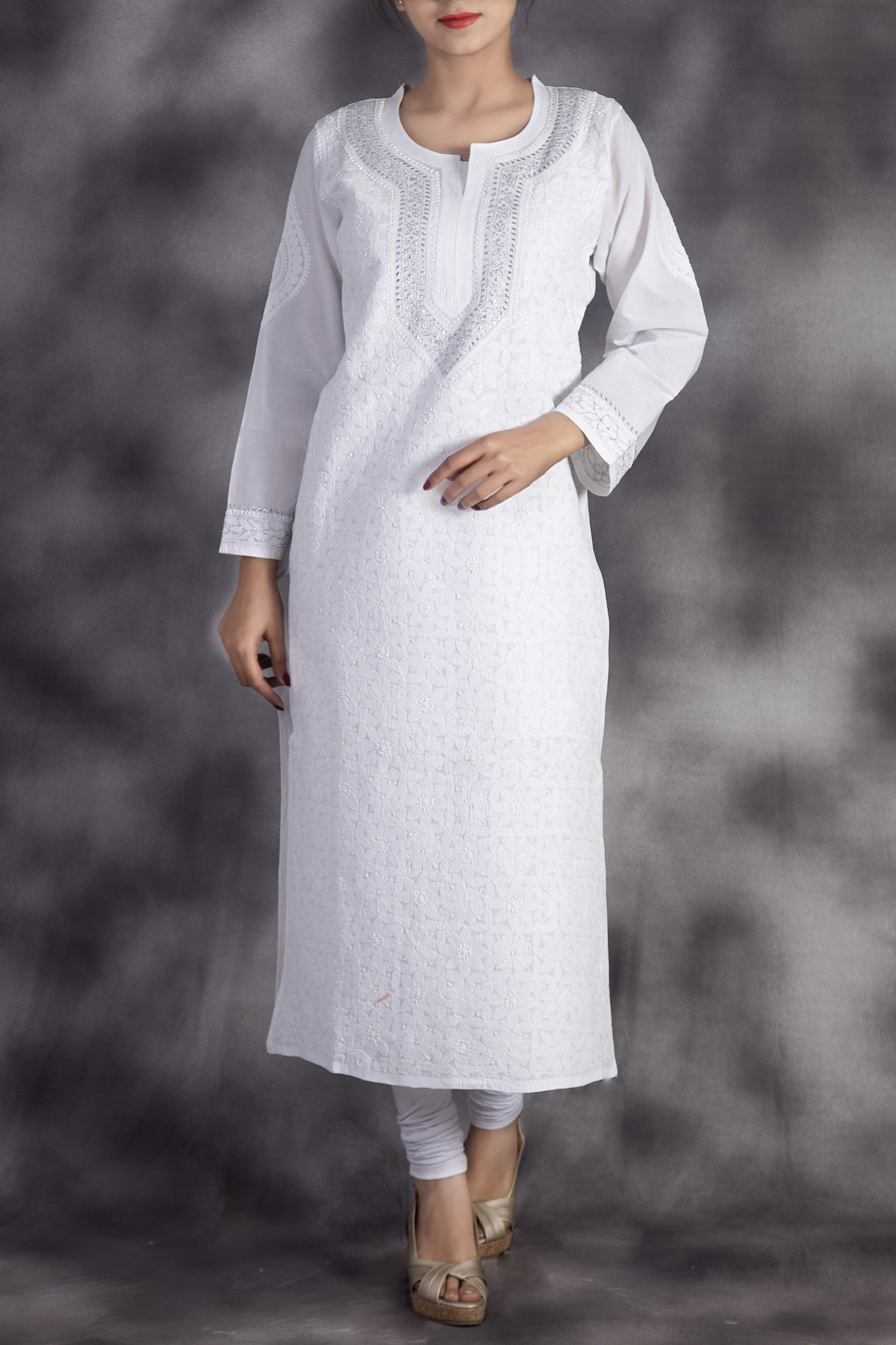 Hand Embroidered White Lucknowi Chikan Kurti-(cotton)-ga250657