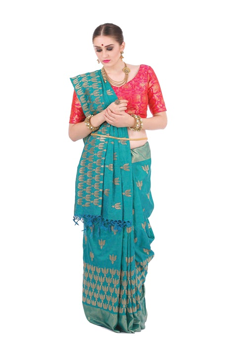 Royal Banarsi Silk Saree In Red With Broad Zari Border